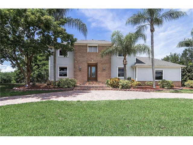 9057 Ligon Ct, FORT MYERS, FL 33908 (#217042727) :: Homes and Land Brokers, Inc