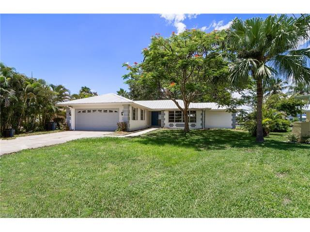 2033 Barbados Ave, FORT MYERS, FL 33905 (#217043077) :: Homes and Land Brokers, Inc