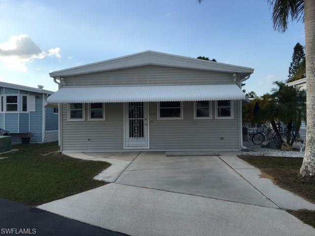 4530 Lincoln Ln E, ESTERO, FL 33928 (MLS #218016013) :: Kris Asquith's Diamond Coastal Group