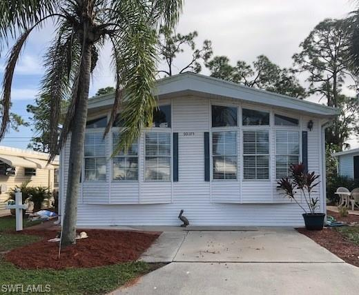20371 Cumberland Ct, ESTERO, FL 33928 (MLS #218081189) :: RE/MAX Realty Group