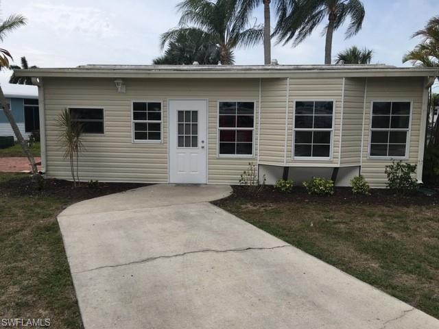 4771 Pilgrims Way W, ESTERO, FL 33928 (MLS #219024384) :: Palm Paradise Real Estate