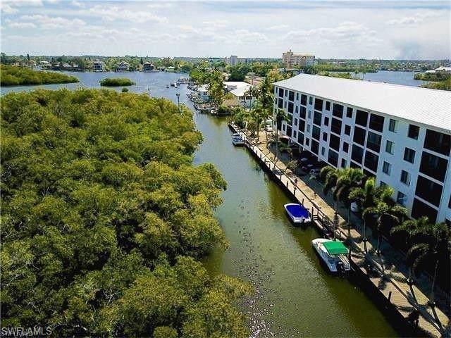 5220 Bonita Beach Rd #110, BONITA SPRINGS, FL 34134 (#219080479) :: The Dellatorè Real Estate Group