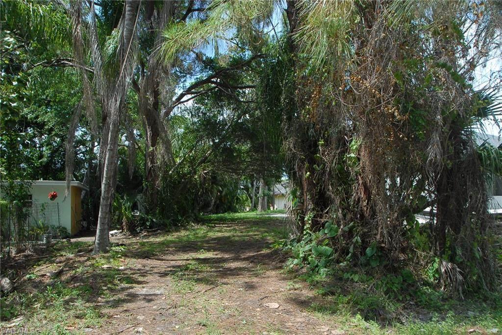 4472 Pine Lake Rd - Photo 1