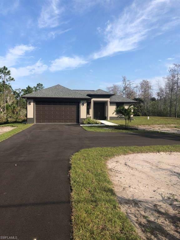 3363 50th Ave NE, NAPLES, FL 34120 (#220009005) :: The Dellatorè Real Estate Group