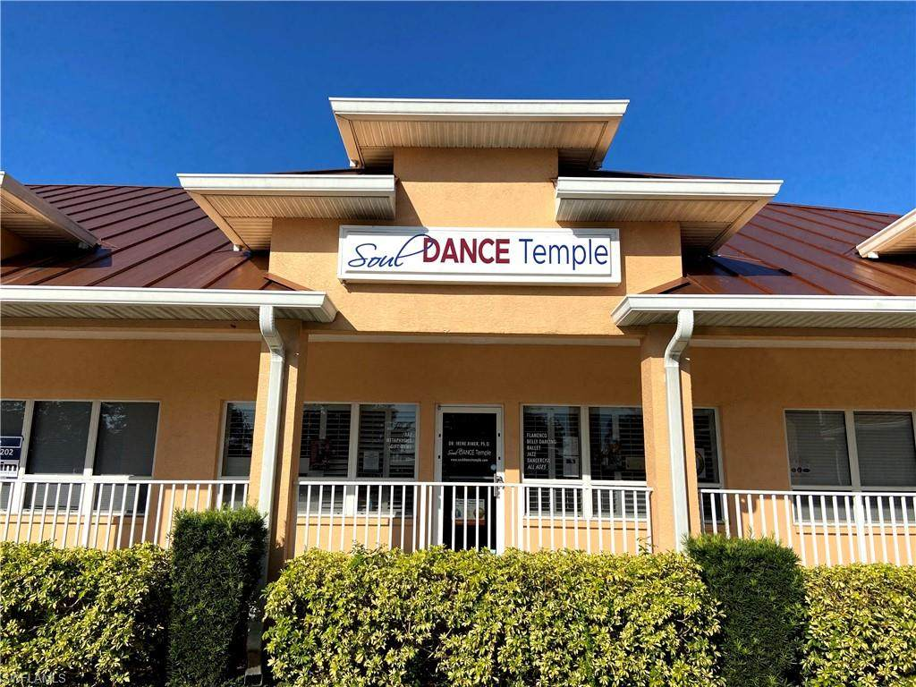2705 Tamiami Trl - Photo 1