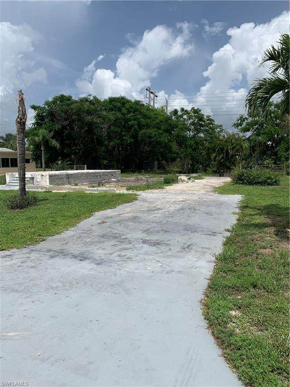 27339 Duvernay Dr, BONITA SPRINGS, FL 34135 (MLS #220048849) :: Palm Paradise Real Estate