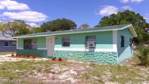 1777 Elan Ct, FORT MYERS, FL 33916 (#220060185) :: The Dellatorè Real Estate Group