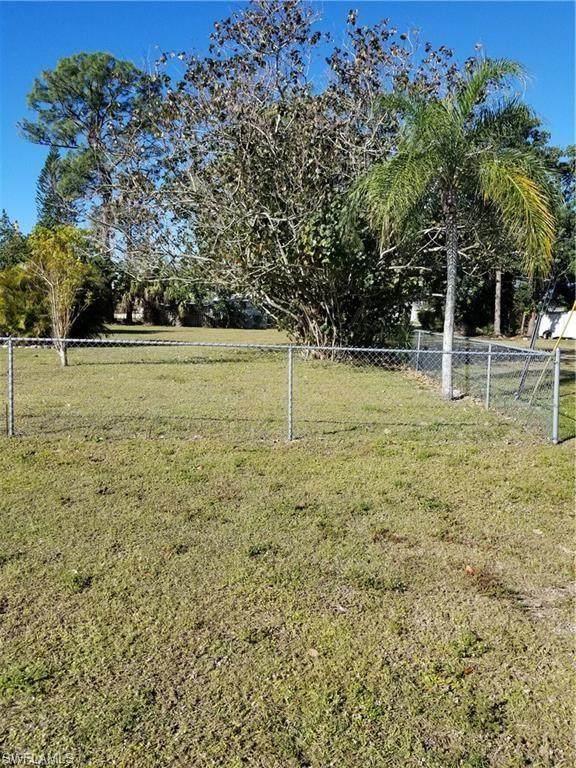 27358 Pullen Ave, BONITA SPRINGS, FL 34135 (#220062199) :: Jason Schiering, PA