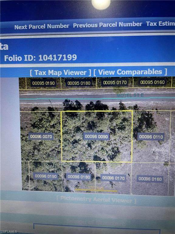 866 Motel St E, LEHIGH ACRES, FL 33974 (#221016562) :: The Michelle Thomas Team