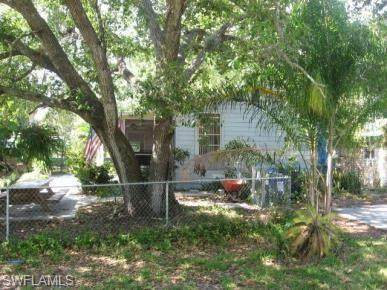 10180 Georgia St, BONITA SPRINGS, FL 34135 (MLS #221036934) :: The Naples Beach And Homes Team/MVP Realty