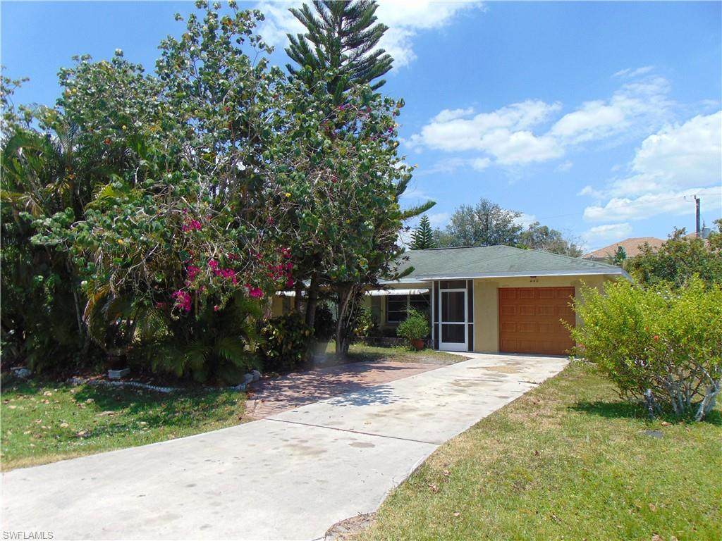 440 Valley Dr - Photo 1