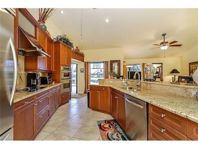 3560 Gulf Harbor Ct, BONITA SPRINGS, FL 34134 (MLS #216032655) :: The New Home Spot, Inc.