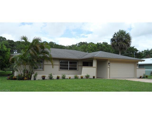 515 Cypress Way E, NAPLES, FL 34110 (#216038922) :: Homes and Land Brokers, Inc