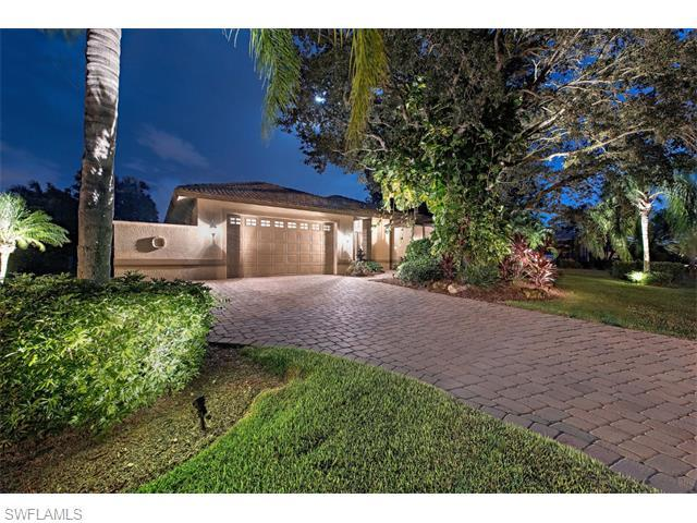 28439 Del Lago Way, BONITA SPRINGS, FL 34135 (#216041087) :: Homes and Land Brokers, Inc