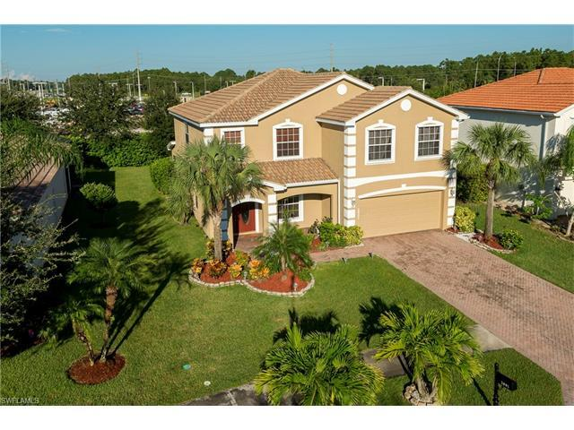 2801 Inlet Cove Ln W, NAPLES, FL 34120 (#216058791) :: Homes and Land Brokers, Inc