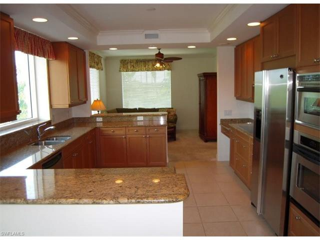 455 Cove Tower Dr #404, NAPLES, FL 34110 (#216062518) :: Homes and Land Brokers, Inc