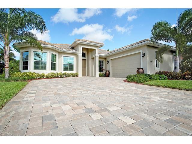 10187 Avonleigh Dr, BONITA SPRINGS, FL 34135 (MLS #217035666) :: The New Home Spot, Inc.