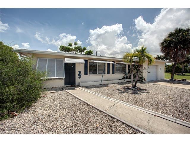 8021 Estero Blvd, FORT MYERS BEACH, FL 33931 (MLS #217037501) :: The New Home Spot, Inc.