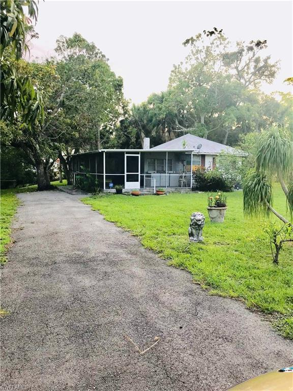 10095 Illinois St, BONITA SPRINGS, FL 34135 (MLS #218039846) :: RE/MAX Realty Group