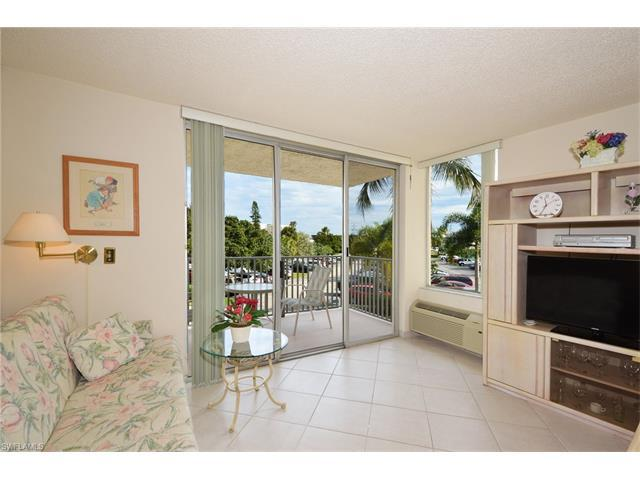 7300 Estero Blvd #101, FORT MYERS BEACH, FL 33931 (#216003571) :: Homes and Land Brokers, Inc