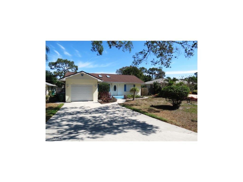 179 2nd St, BONITA SPRINGS, FL 34134 (#216028088) :: Homes and Land Brokers, Inc