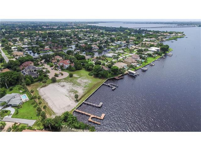 12111 Via Del Fontana Way, FORT MYERS, FL 33919 (#216038984) :: Homes and Land Brokers, Inc