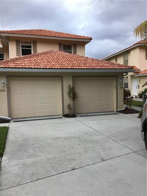 290 Robin Hood Cir #202, NAPLES, FL 34104 (MLS #219065806) :: #1 Real Estate Services