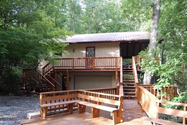 33 Goldfinch Road, Linville, NC 28646 (MLS #193678) :: Keller Williams Realty - Exurbia Real Estate Group