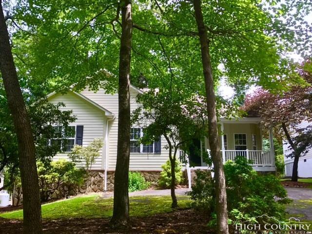 154 Laurel Cottage Lane, Roaring Gap, NC 28668 (MLS #202161) :: Keller Williams Realty - Exurbia Real Estate Group