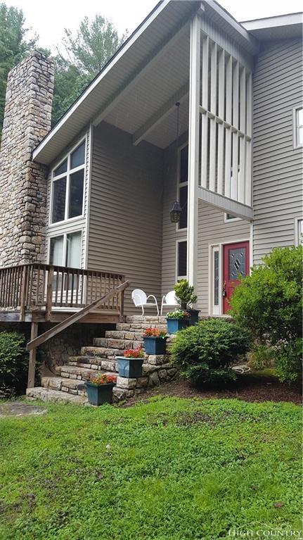 324 Clark Swift Road, Vilas, NC 28692 (MLS #202902) :: Keller Williams Realty - Exurbia Real Estate Group