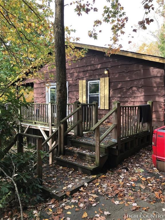 189 Seven Oaks Road, Boone, NC 28607 (MLS #204053) :: Keller Williams Realty - Exurbia Real Estate Group