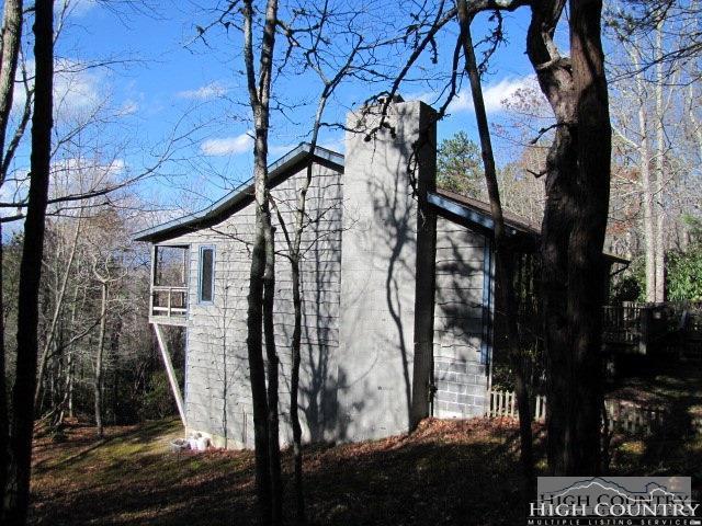 210 Huckleberry Knob Lane, Newland, NC 28657 (MLS #205099) :: Keller Williams Realty - Exurbia Real Estate Group