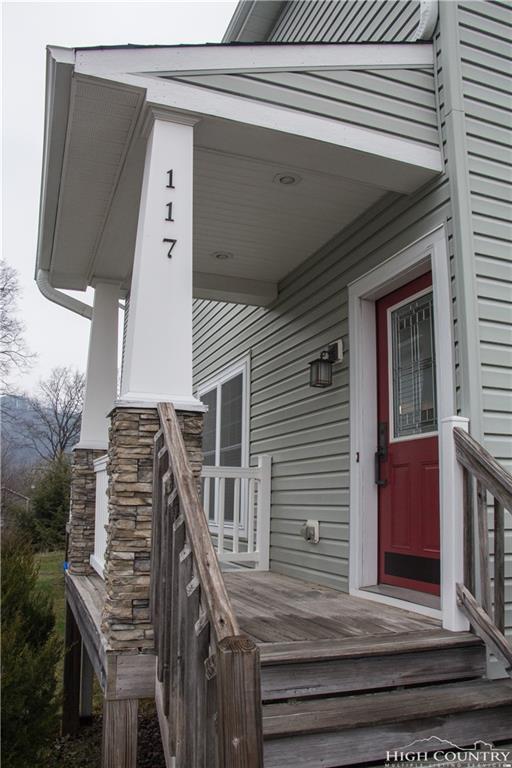 117 Stratford Lane, Boone, NC 28607 (MLS #205905) :: Keller Williams Realty - Exurbia Real Estate Group