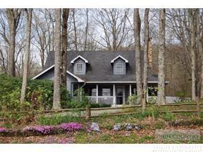 915 Balsam Drive, Newland, NC 28657 (MLS #207156) :: Keller Williams Realty - Exurbia Real Estate Group