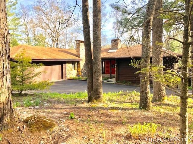 294 Sunrise Ridge Drive, Spruce Pine, NC 28777 (MLS #207346) :: Keller Williams Realty - Exurbia Real Estate Group