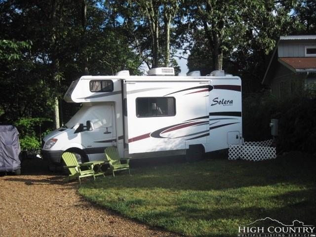 70 Thornwood Loop, Newland, NC 28657 (MLS #207679) :: RE/MAX Impact Realty