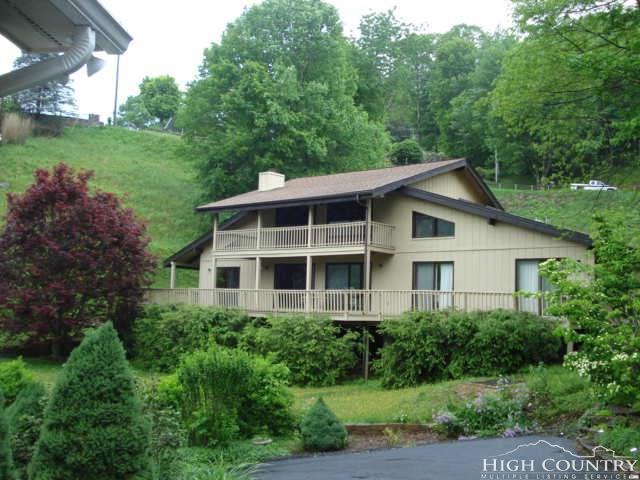 700 Azalea Drive, Newland, NC 28657 (MLS #207956) :: Keller Williams Realty - Exurbia Real Estate Group