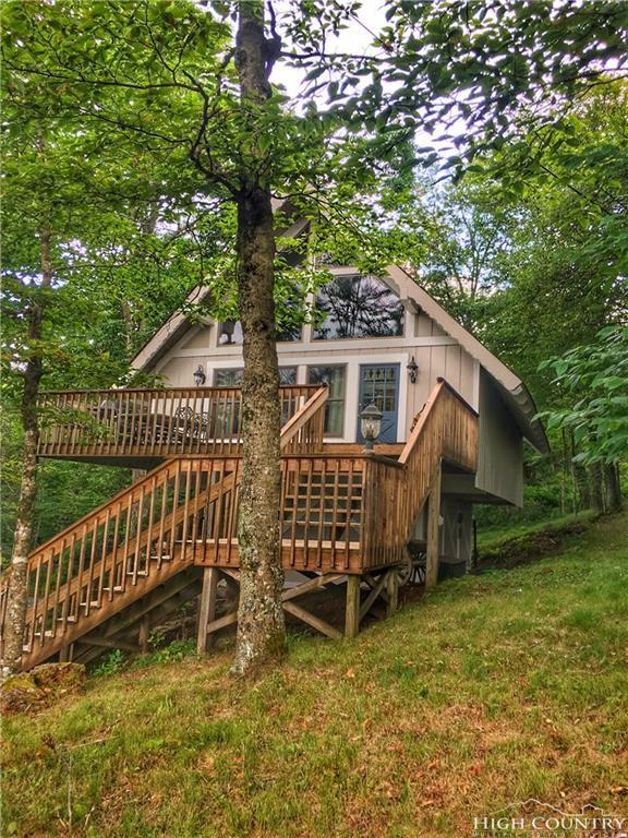 107 Skiway Road, Beech Mountain, NC 28604 (MLS #208988) :: Keller Williams Realty - Exurbia Real Estate Group