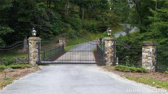 Lot #6 River Mountain, Elk Park, NC 28622 (MLS #210173) :: Keller Williams Realty - Exurbia Real Estate Group