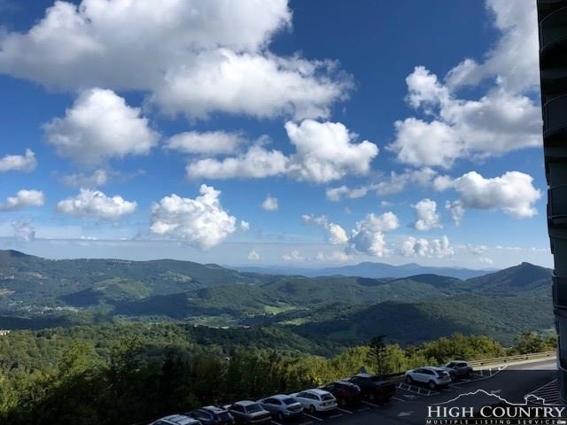 303 Sugar Top Drive 2-2223, Sugar Mountain, NC 28604 (MLS #210284) :: Keller Williams Realty - Exurbia Real Estate Group