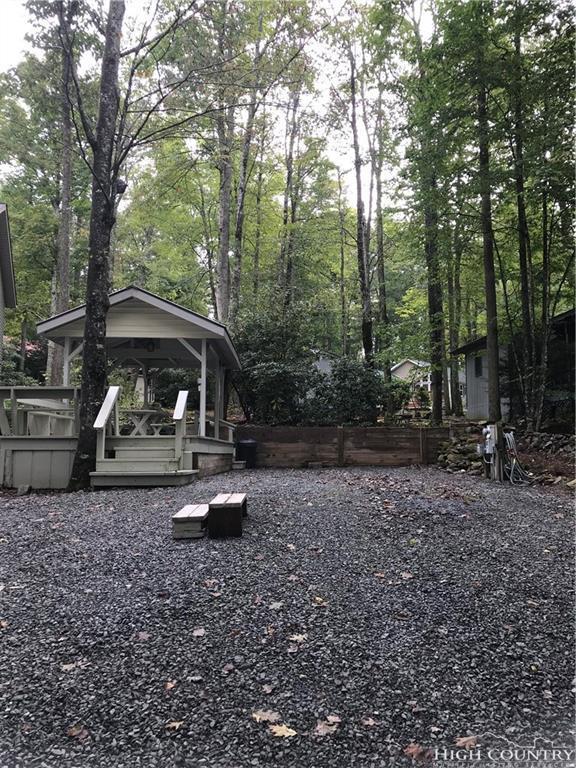 42 Azalea Lane, Newland, NC 28657 (MLS #210543) :: Keller Williams Realty - Exurbia Real Estate Group