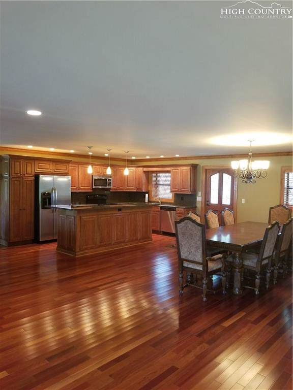 427 St. Andrews Road, Beech Mountain, NC 28604 (MLS #217180) :: RE/MAX Impact Realty