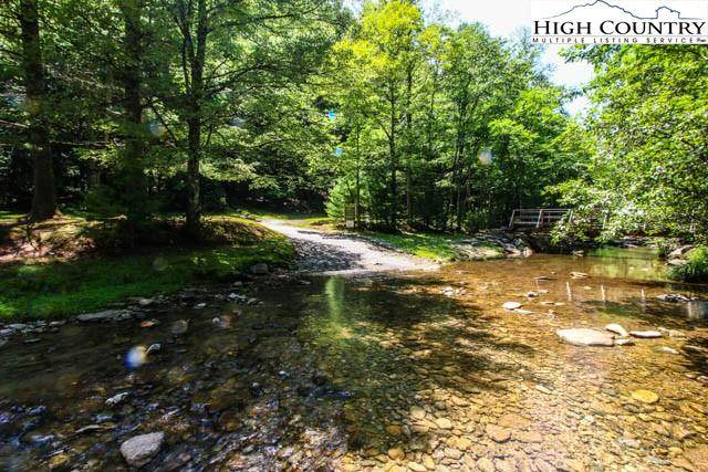 1.1 acres Sunny Lane, Deep Gap, NC 28618 (#226450) :: Mossy Oak Properties Land and Luxury
