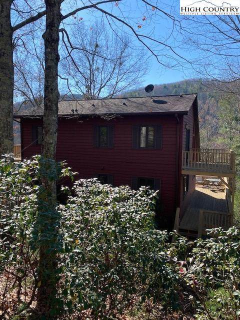 197 High Hollow Road, Deep Gap, NC 28618 (#227337) :: Mossy Oak Properties Land and Luxury