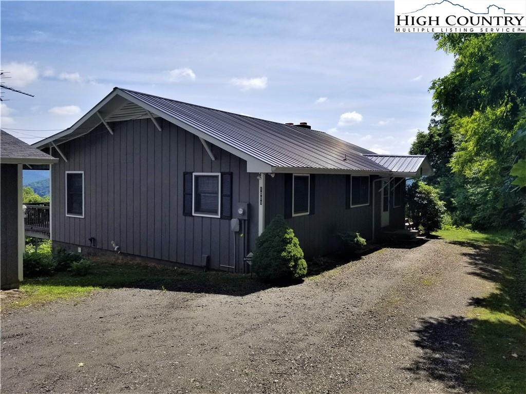 1009 Perry Road - Photo 1