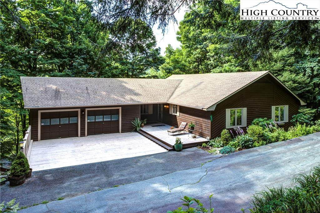 925 Thorncliff Drive - Photo 1