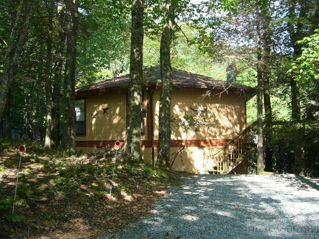 105 Village Creek Road, Beech Mountain, NC 28604 (MLS #39202472) :: Keller Williams Realty - Exurbia Real Estate Group