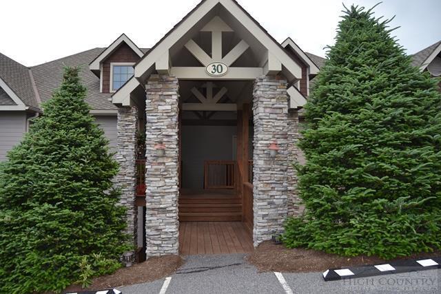 983 Craggy Pointe 30 B, Sugar Mountain, NC 28604 (MLS #39203093) :: Keller Williams Realty - Exurbia Real Estate Group
