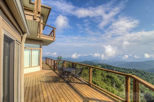 311 Pinnacle Ridge Road, Beech Mountain, NC 28604 (MLS #39206299) :: Keller Williams Realty - Exurbia Real Estate Group