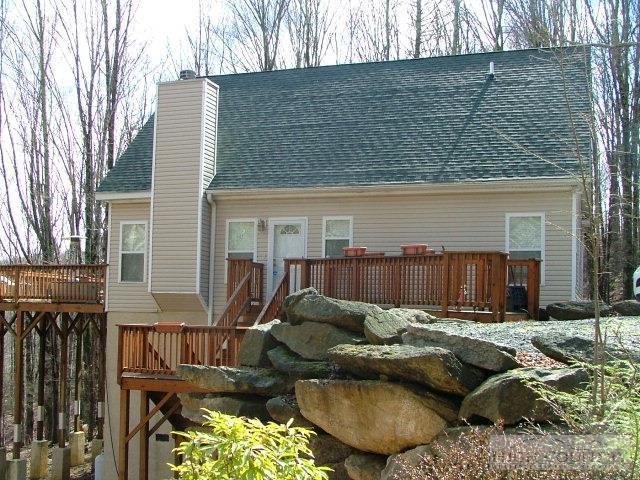 122 Lakeledge Circle, Beech Mountain, NC 28604 (MLS #39207086) :: Keller Williams Realty - Exurbia Real Estate Group